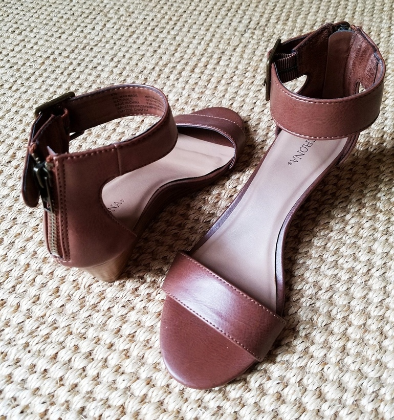 Brown Wedge Sandal, OOTD, Over 50 Fashion, Business Casual, Black and Brown with White Cardigan, 50 With Flair