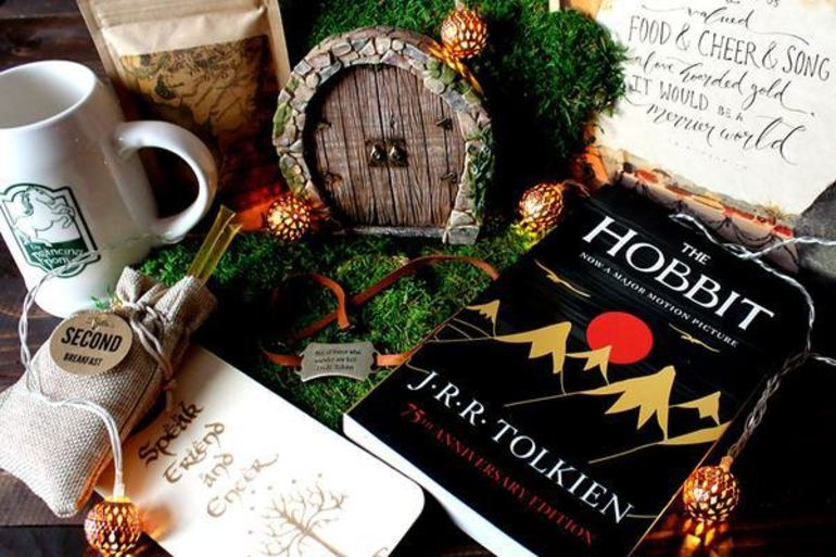 Cratejoy, book subscription box, christmas gift idea, affordable subscription, the hobbit, 50 with flair