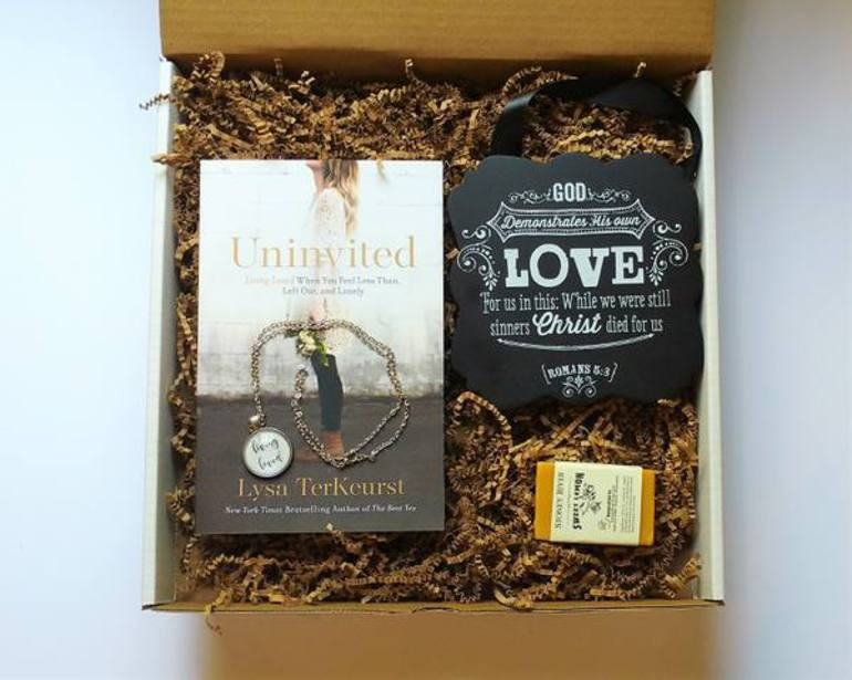 Cratejoy, book subscription box, christmas gift idea, affordable subscription, christian devotional, 50 with flair